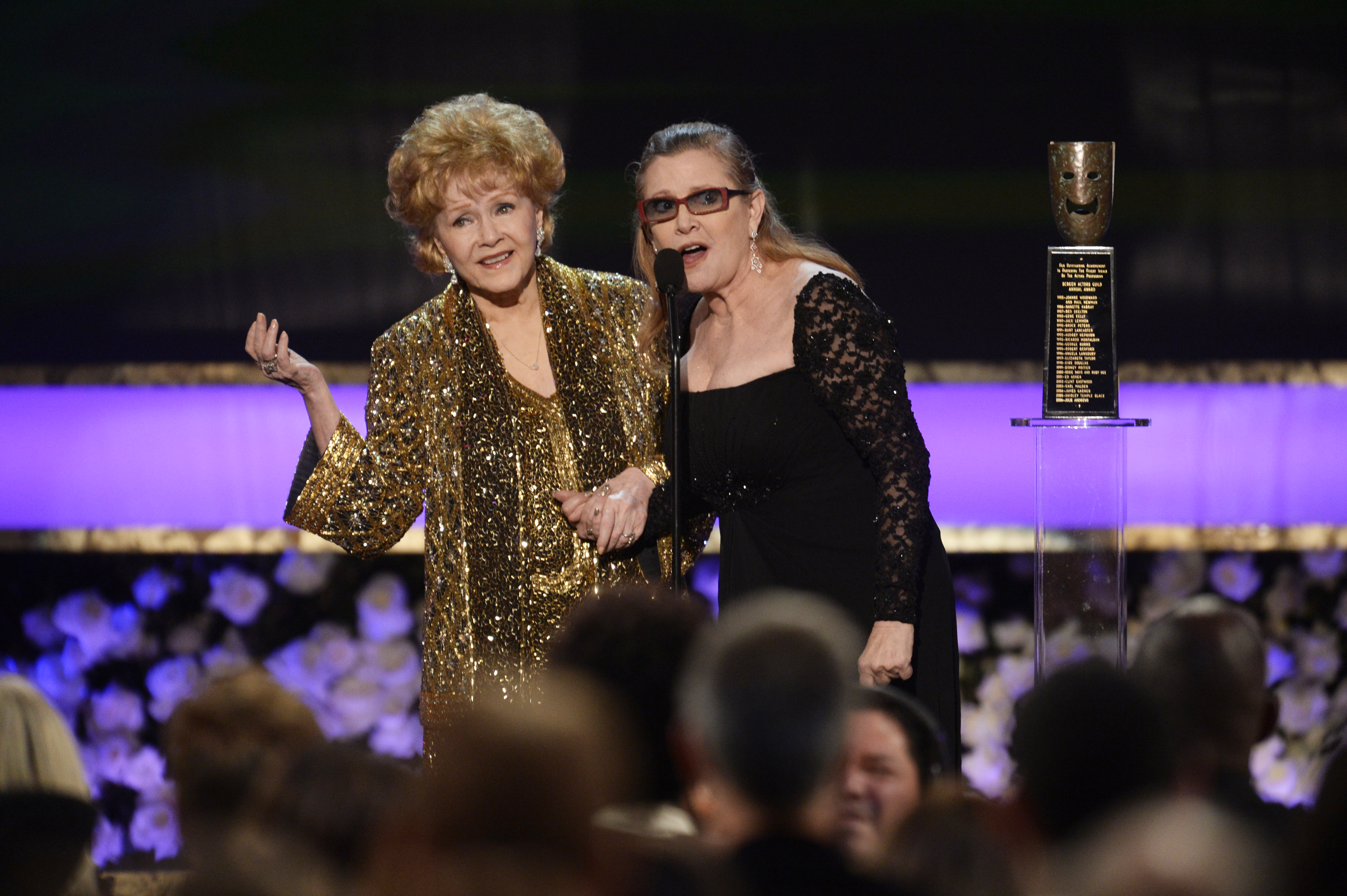 È morta Debbie Reynolds, la mamma di Carrie Fisher