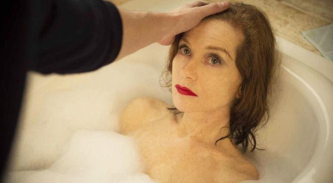 A Letto Con Eva.A Letto Con Isabelle Huppert Nella Clip Esclusiva Di Eva Film It